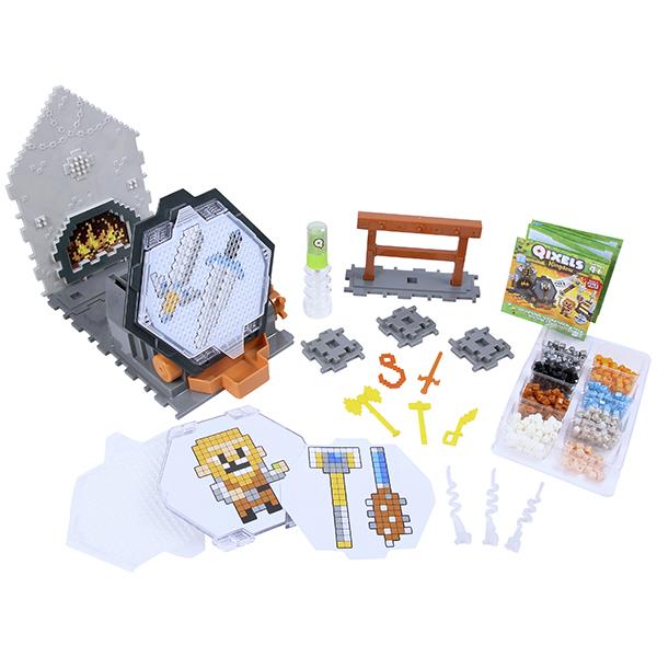 Купить Qixels 87027 Квикселс Набор для творчества Королевство Оружейная мастерская , Набор для творчества Qixels