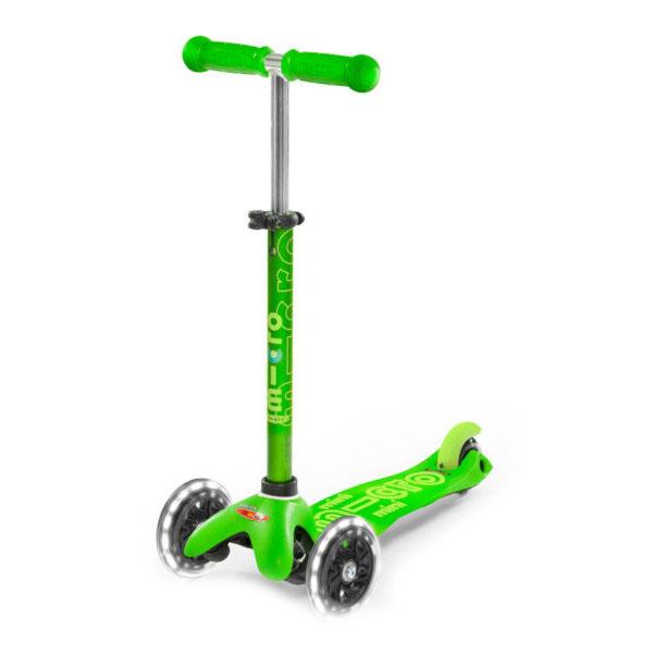 Micro MMD051 Самокат Mini Micro Deluxe Зеленый LED (со светящимися колесами) - Отдых и спорт